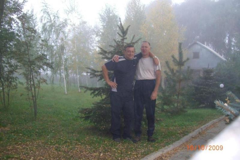 Ждём начала теста, пока всё в тумане. Анатолий R6AW и Василий R7AA